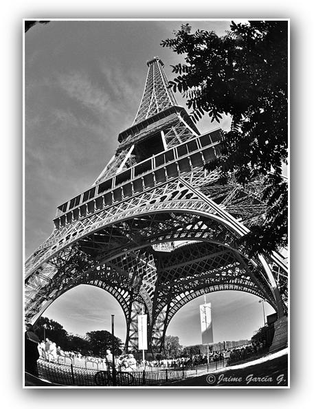 Torre Eiffel FINAL. MARCO